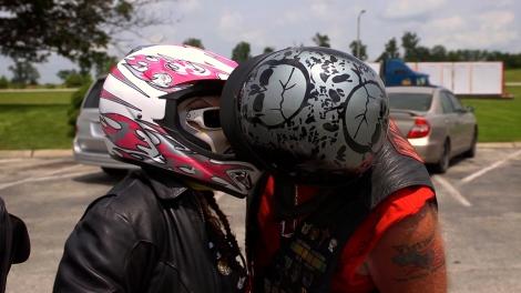 helmet+kiss