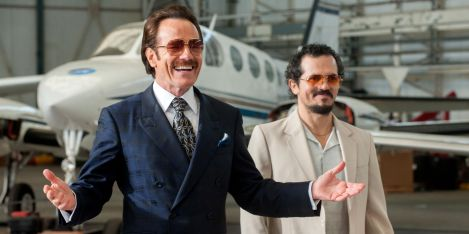 bryan-cranston-in-the-infiltrator1