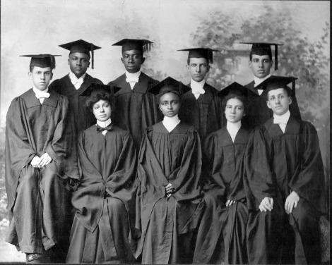 group-of-graduated-students-men-and-women-at-atlanta-university